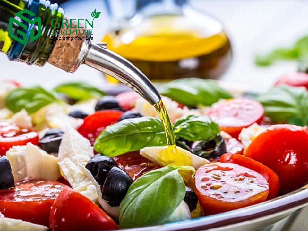 Dầu ôliu là dầu duy nhất có thể trộn ăn sống với thức ăn có lợi cho sức khỏe